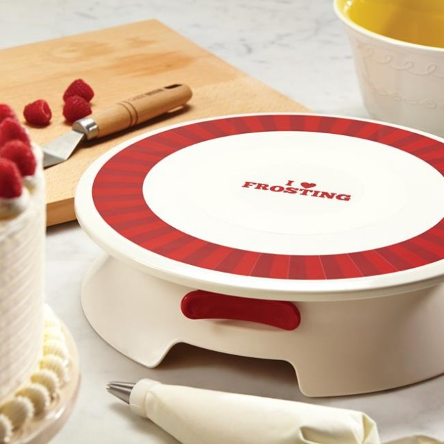 Cake Decorating With Cake Boss : New Baking Products On QuiBids From Paula Deen, Rachael ...