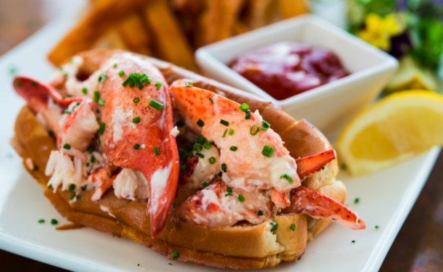 6 Maine Lobster Rolls Kit - QuiBids.com