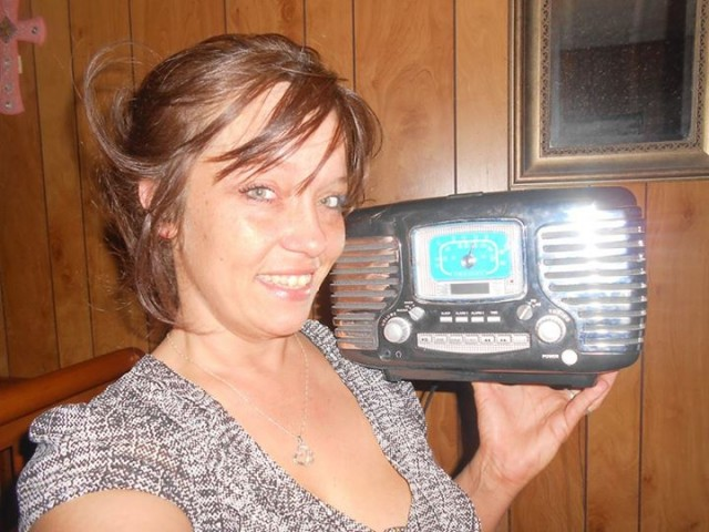 Vanessa T. and the Clock Radio