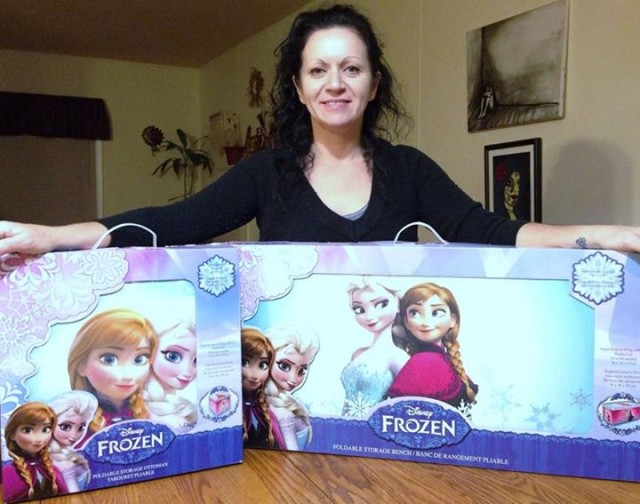 Doug won these Frozen items for his granddaughter and saved 99% off both items! #QuiBidsWins