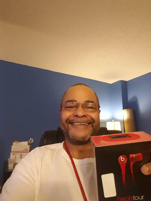 Jeffrey won these Beats earbuds for $0.35 using only 7 voucher bids! #QuiBidsWin