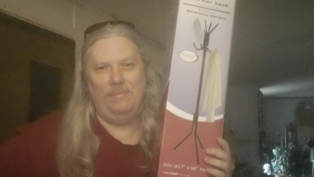 David used one voucher bid to win this coat hanger for $0.01! #OneBidWin #QuiBidsWin