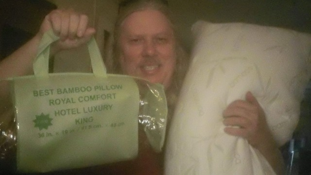 David won this bamboo memory foam pillow for $0.36 and used only 16 voucher bids! #QuiBidsWin