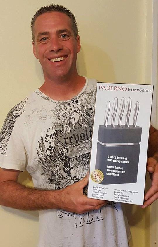 Doug won this knife block set for $0.77 using only 22 voucher bids! #QuiBidsWin