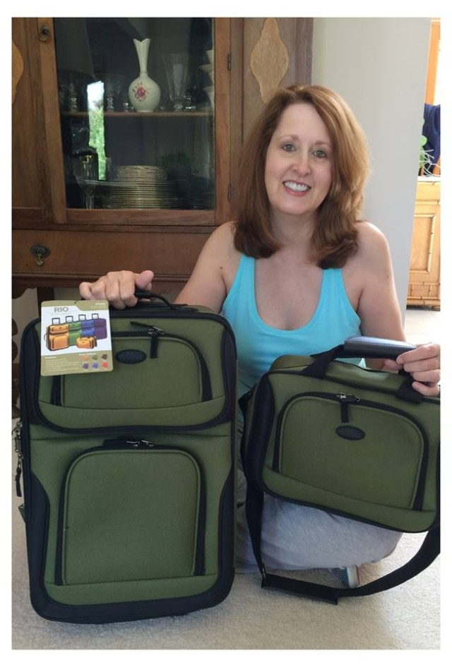Connie used 2 voucher bids to win this luggage set for only $0.18! #QuiBidsWin #EpicWin