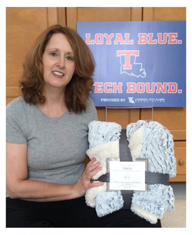 Connie used 3 voucher bids to win this sherpa throw blanket for only $0.18! #QuiBidsWin