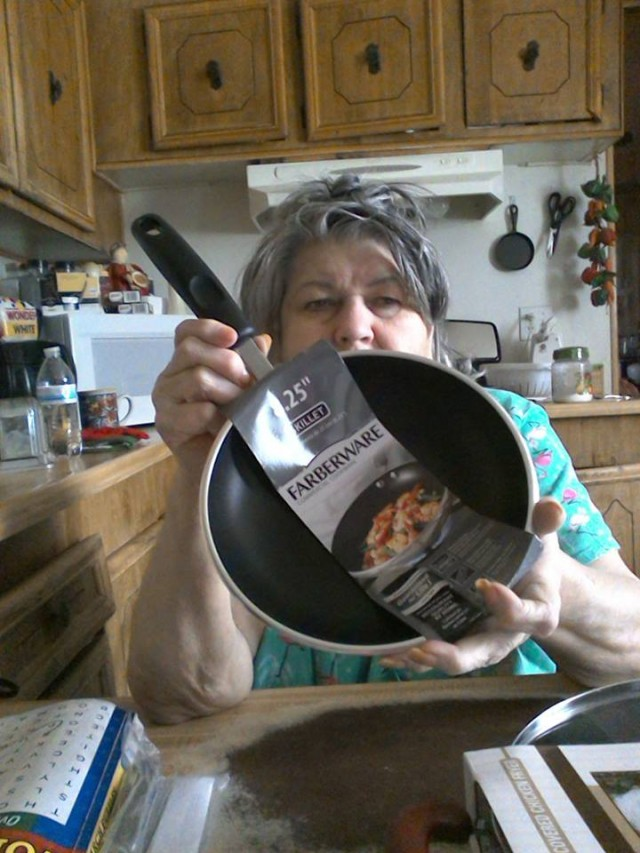 QuiBidder Cathy won this skillet for $0.15 using only 5 real bids and saved 89%! #QuiBidswin