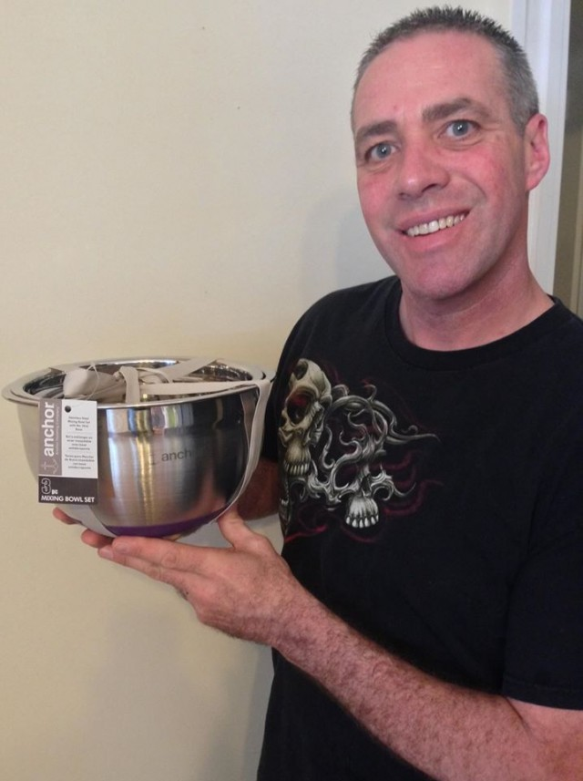 Doug used 13 voucher bids to win this mixing bowl set for only $0.56! #QuiBidsWin
