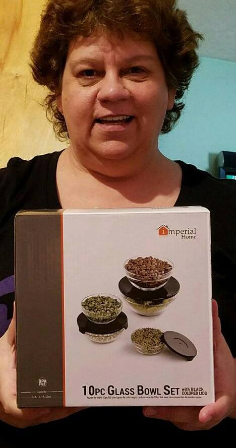 Jodi won this 10 pc glass bowl set for $0.04 using only 2 voucher bids! #QuiBidsWin