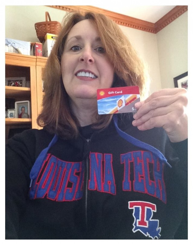 Connie won this $50 gas gift card (+30 bids) for $6.40 using 11 real bids and 4 voucher bids! #QuiBidsWin