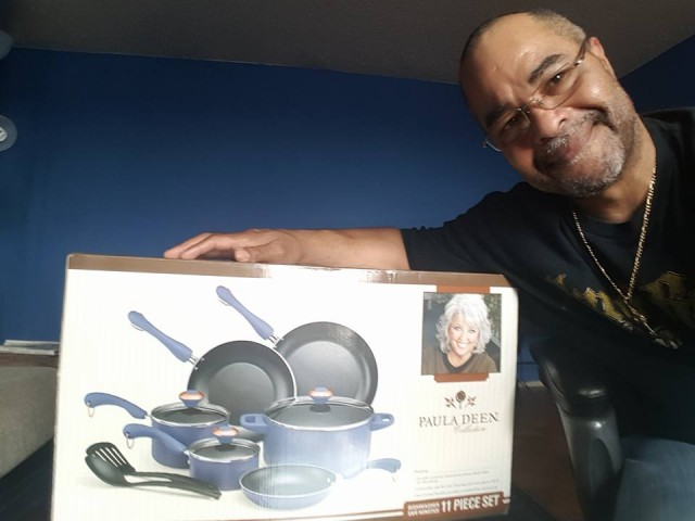 Jeffrey used 10 real bids to win this Paula Deen cookware set for only $7.62! #QuiBidswin
