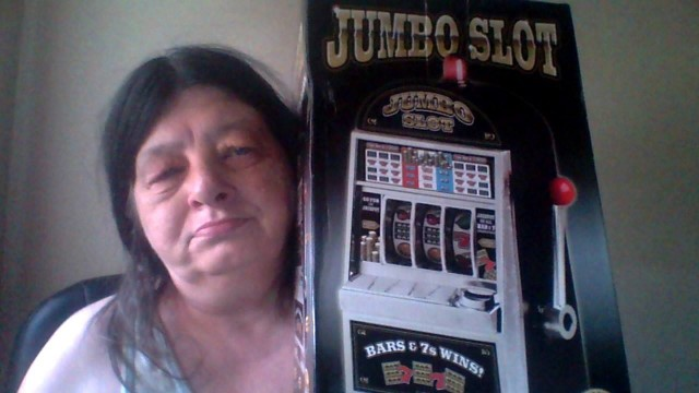 Lisa won this slot machine for $0.27 using only 9 voucher bids! #QuiBidsWin