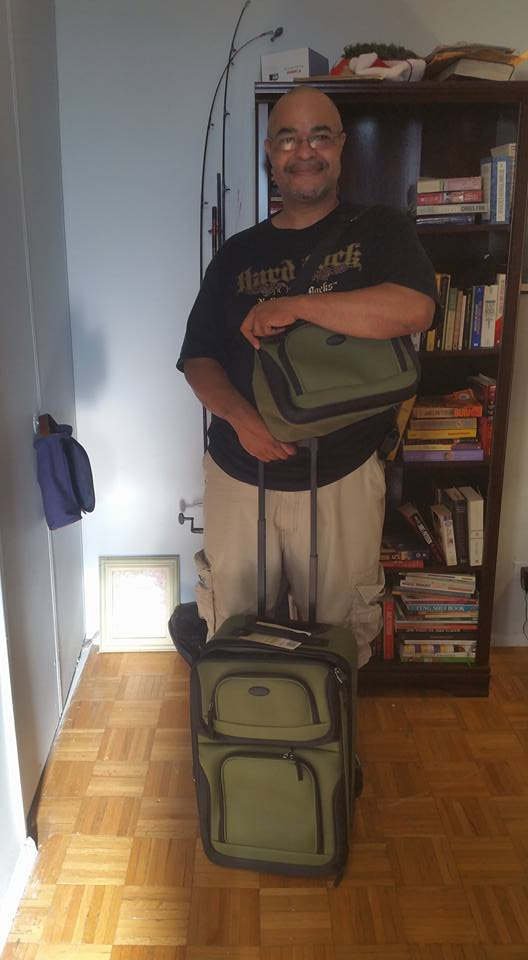 Jeffrey used 2 voucher bids to win this luggage set for only $0.10! #QuiBidsWin