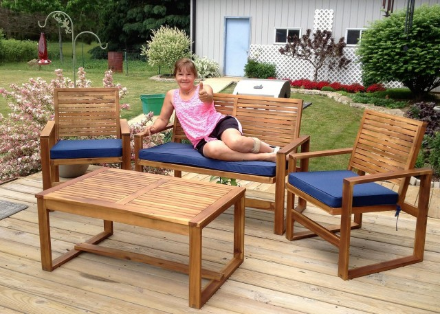 Janise won this 4pc patio set for $1.87 using 30 voucher bids! #QuiBidsWin #EpicWin