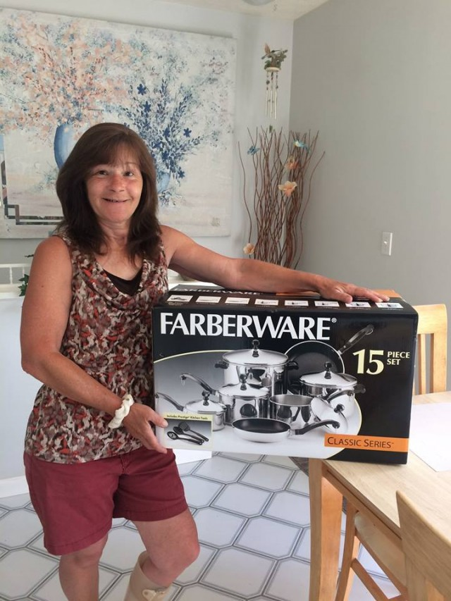 Janise won this 15pc cookware set for $0.19 using only 22 voucher bids. #QuiBidsWin