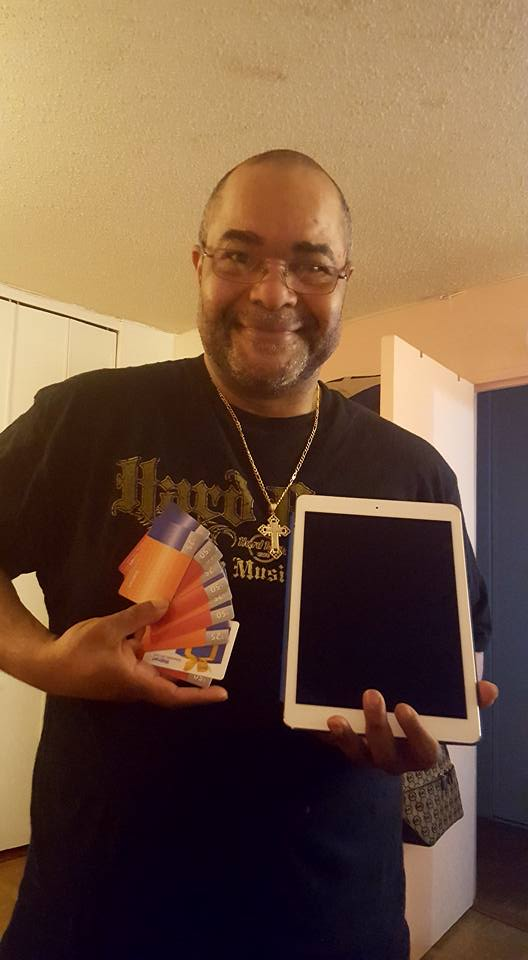 QuiBidder Jeffrey used the gift cards he won on QuiBids to save big on a brand new iPad Pro!