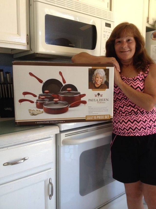 Janise won this Paula Deen 15pc cookware set for $4.91 using 1 real bid and 75 voucher bids! #QuiBidsWin