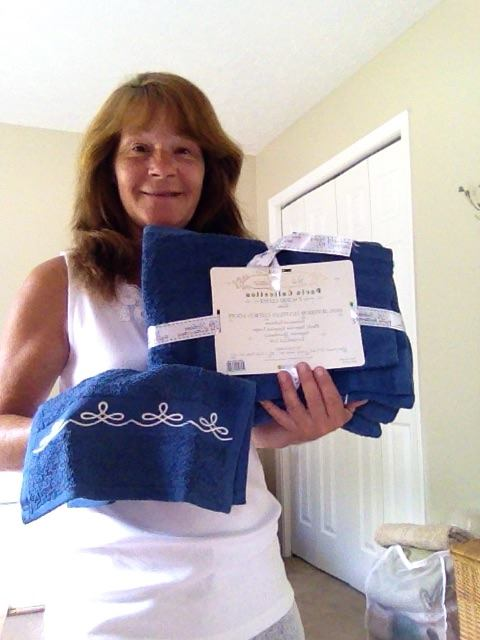 Janise won this Egyptian cotton towel set for $0.02 using only 1 voucher bid. #OneBidWin