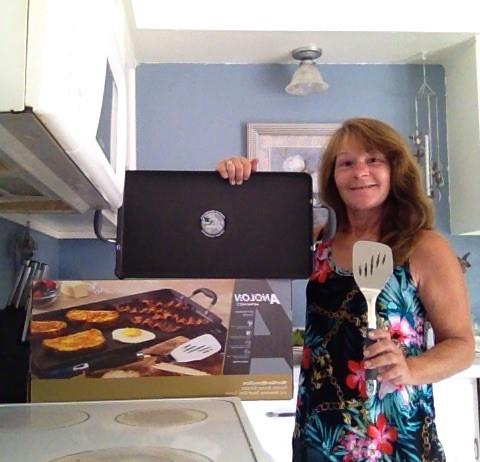 Janise won this double burner griddle for $1.27 using 1 real bid and 43 voucher bids! #QuiBidswin