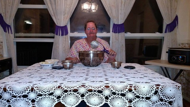 Phyllis won this Wolfgang Puck 14pc mixing bowl set for $0.99 using just 41 voucher bids! #QuiBidsWin