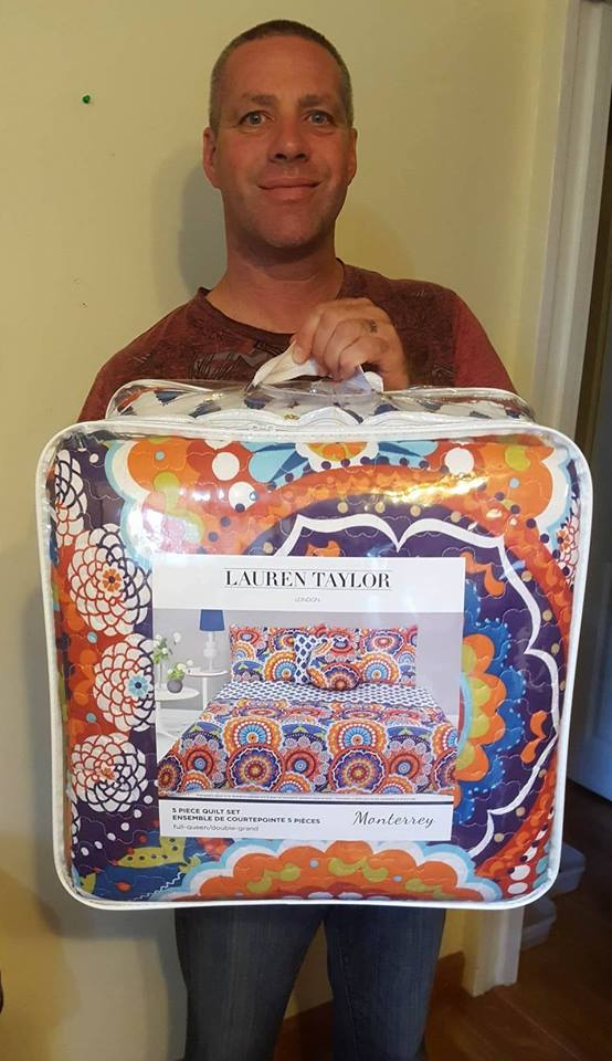 Doug won this quilt set for $1.15 using 11 voucher bids! #QuiBidsWin