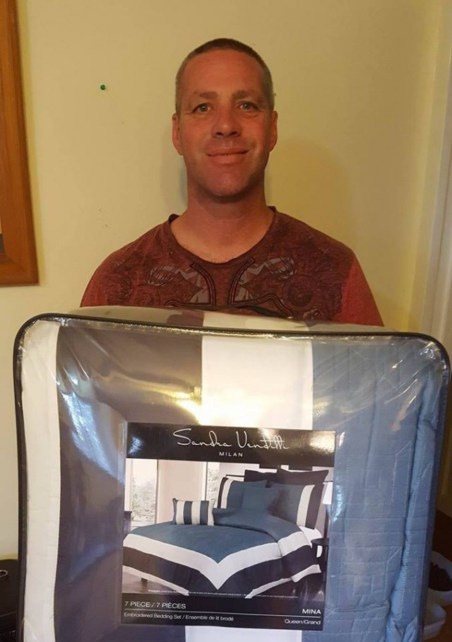 Doug saved 99% when he won this comforter set for $0.85 using 8 voucher bids! #QuiBidsWin
